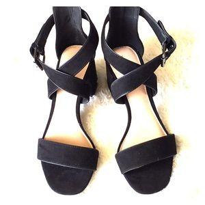 🔵 NWOT Black Chunky Heel Who What Wear Sandals